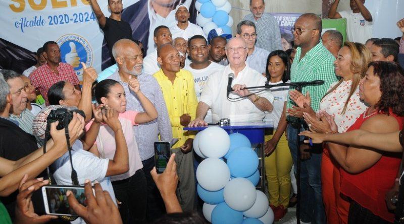 Hipólito Mejía recibe apoyo masivo en los Alcarrizos y exhorta a la juventud y las mujeres participar en los políticos partidistas