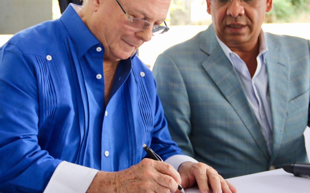 Hipólito Mejía inscribió el lunes su precandidatura presidencial en el PRM
